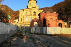 Монастырский храм на горе Бештау